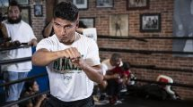 Mikey Garcia vs Robert Easter