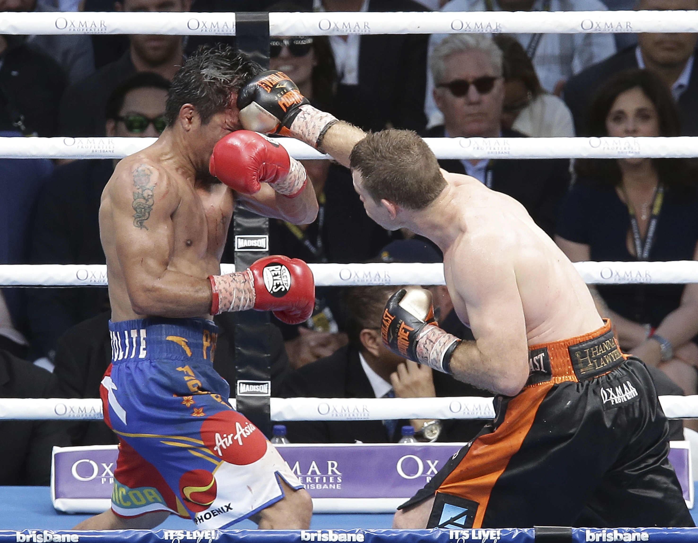 Horn lands a punch on Pacquiao (Tertius Pickard/AP)