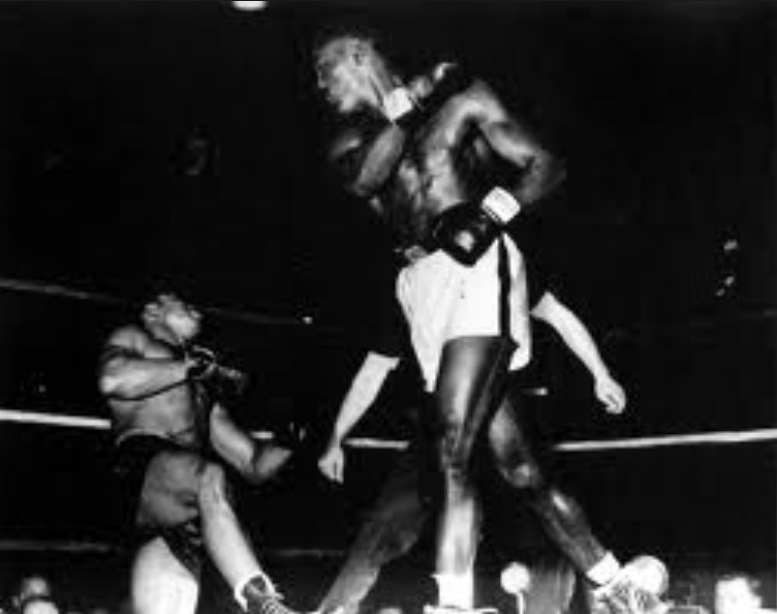 Ezzard Charles v Archie Moore