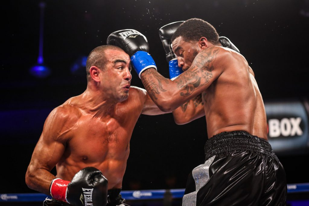 WADE VS SOLIMAN-TRAPPFOTOS-06262015-8262