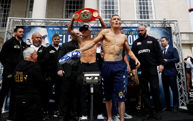 Boxing - Lee Selby & Josh Warrington Weigh-In - Millennium Square, Leeds, Britain - May 18, 2018   Lee Selby and Josh Warrington during the weigh in   Action Images/Jason Cairnduff